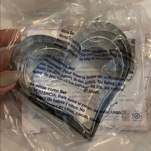 Other - 4 pc heart cookie cutter set